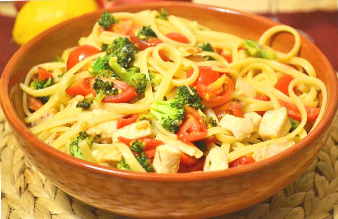 Pasta broccoli, pomodorini e pesce spada, ricetta facilissima